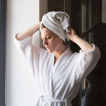 ¿Cómo lavar el cabello para darle volumen?