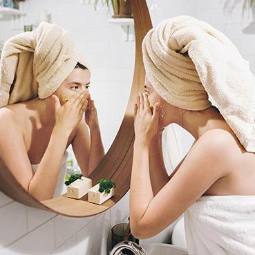 Mitos y verdades que debes saber para combatir el acné