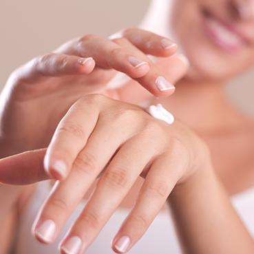 ¿Cómo cuidar nuestras manos y mantenerlas jóvenes?